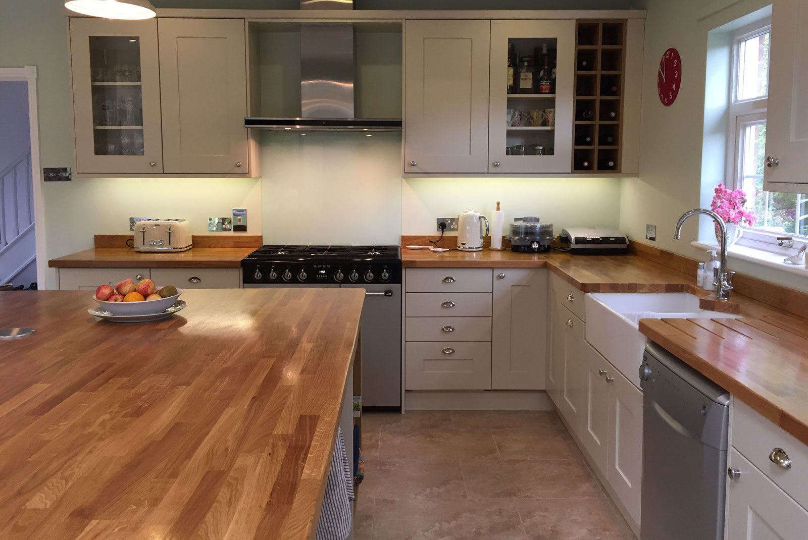 Ruth from norfolk stanbury mussel kitchen with oak for Diy kitchens com reviews