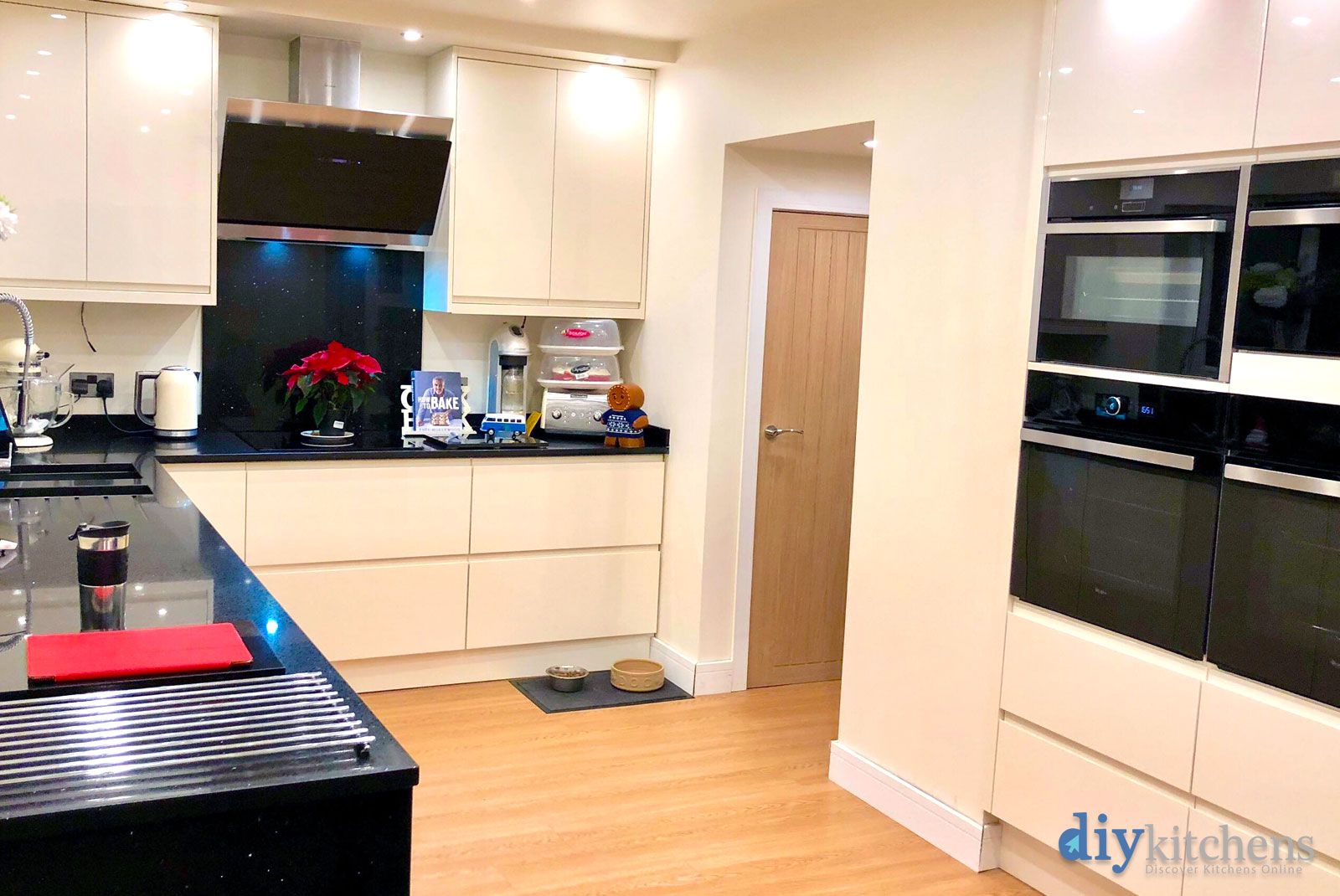 Mel from plymouth hiya i bought my kitchen from you last for Diy kitchens com reviews