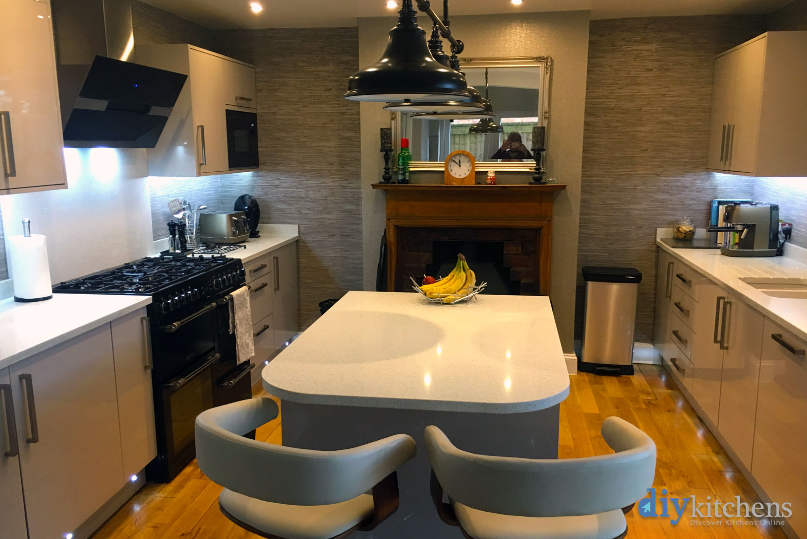 Carloine from coleshill pictures of my kitchen supplied for Diy kitchens com reviews