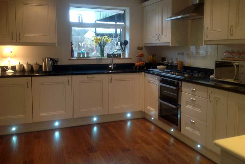 Neil from derbyshire hi here are the pictures of my for Perfect kitchen pontefract