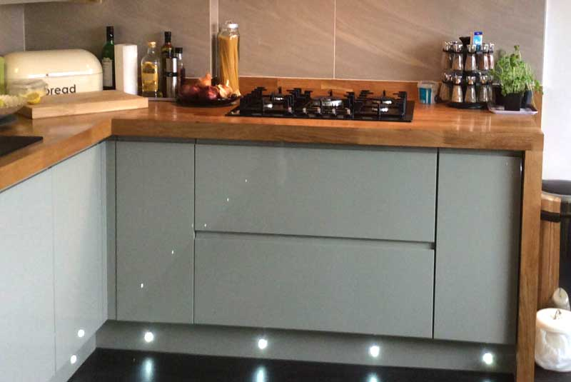 Mark from kent i am extremely impressed with the style for Diy kitchens com reviews