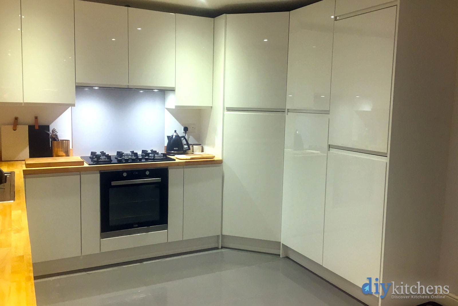 Alex from rugby pictures for you i hope they are useful for Diy kitchens com reviews